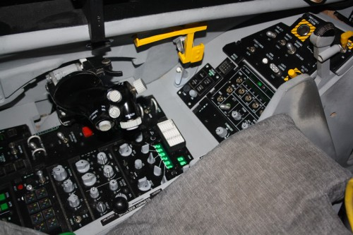 CockpitF16Goupil5127.jpg